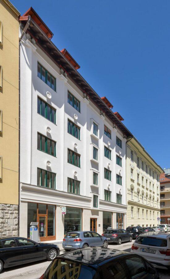 Poslovna stavba Cigaletova