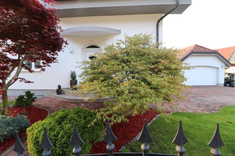 Luksuzna hiša v okolici Ljubljane - smer Gorenjska